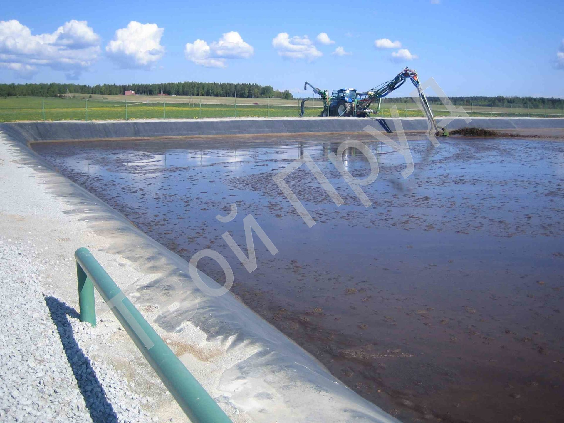 epdm_geo_-_dung_pits_-_estonia_-_hydroseal_-_animal_waste_facility_-_96dpi